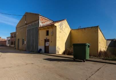 Casa a Plaza del León, nº 3